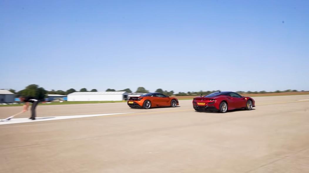 Ferrari F8 Tributo vs McLaren 720S drag race