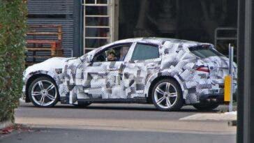 Ferrari Purosangue foto spia