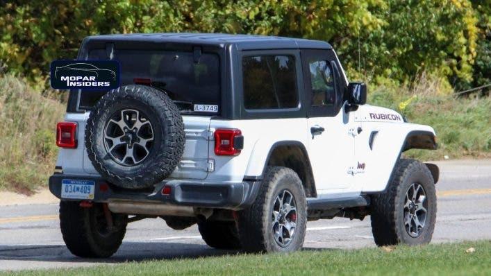 Jeep Wrangler Rubicon mezze porte foto spia