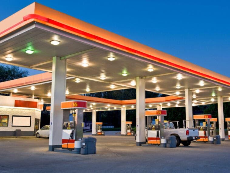 stazione_servizio_benzina