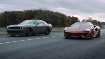 Dodge Challenger SRT Hellcat vs McLaren 570S Spider drag race
