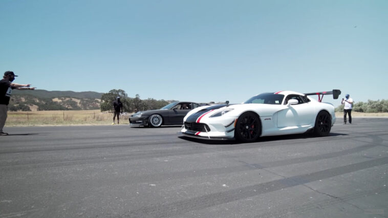Dodge Viper ACR vs Nissan 240SX drag race