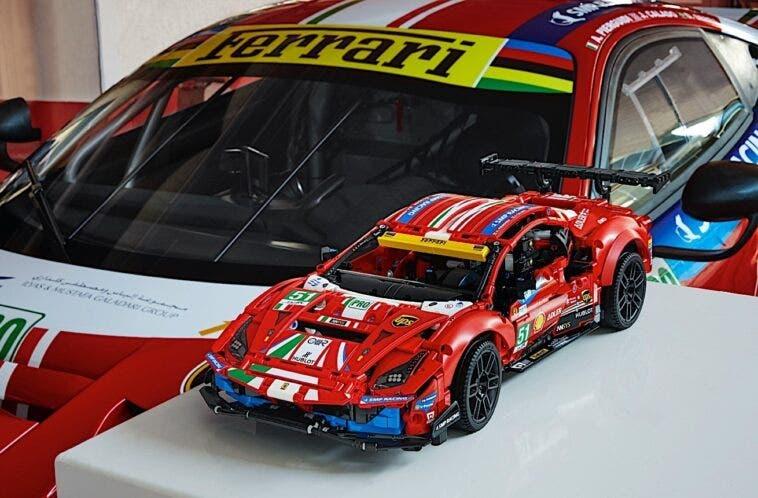 Ferrari 488 GTE AF Corse 51 LEGO Technic