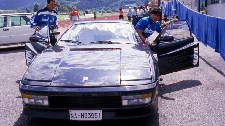 Ferrari Testarossa nera Maradona