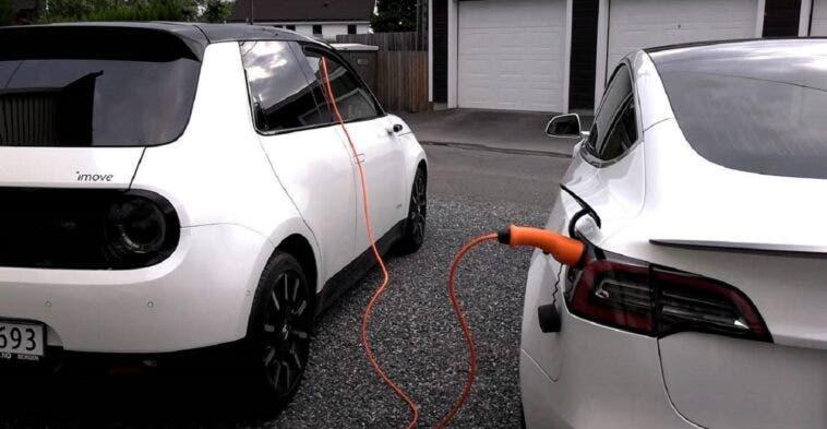 Honda e Tesla