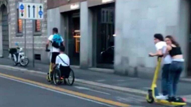monopattino sedia a rotelle-2