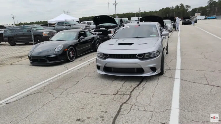 Dodge Charger SRT Hellcat vs Porsche 911 Turbo S drag race