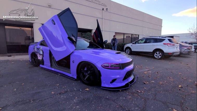 Dodge Charger porte stile Lamborghini