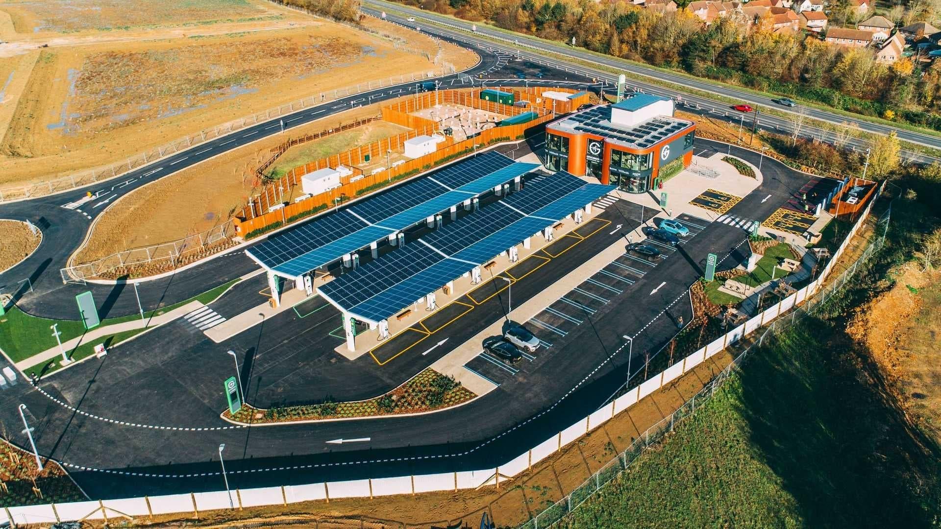 Gridserve Electric Forecourt Regno Unito