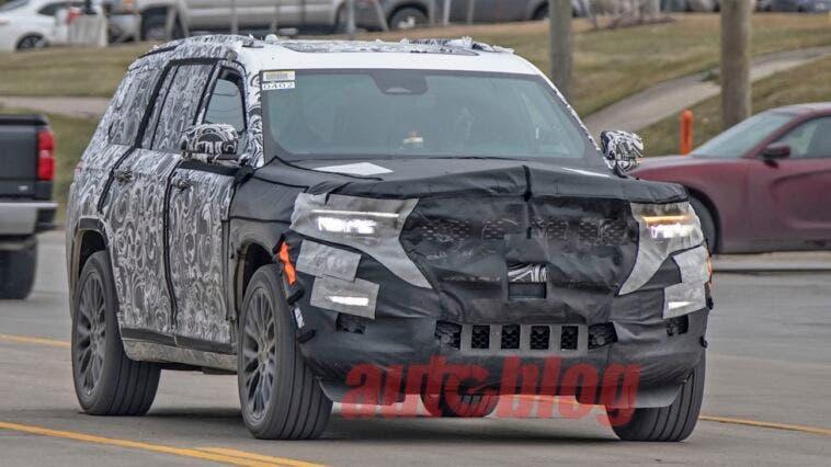 Nuova Jeep Grand Cherokee ultime foto spia