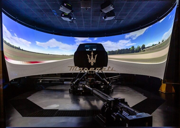Nuova Maserati MC20 simulatore DIM