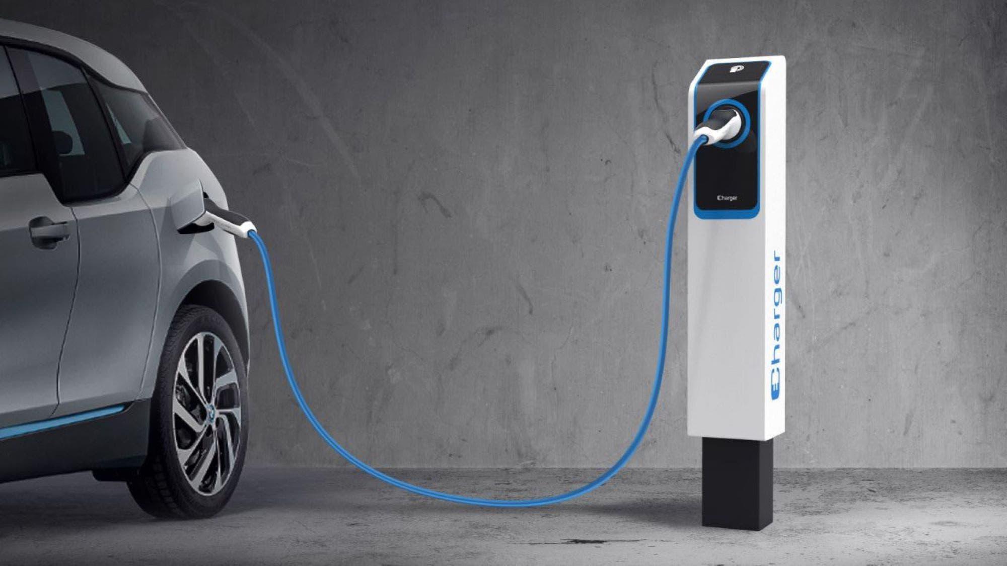 auto-elettriche-colonnine-ricarica-punto-italia-speciale-v5-41335-1280x16