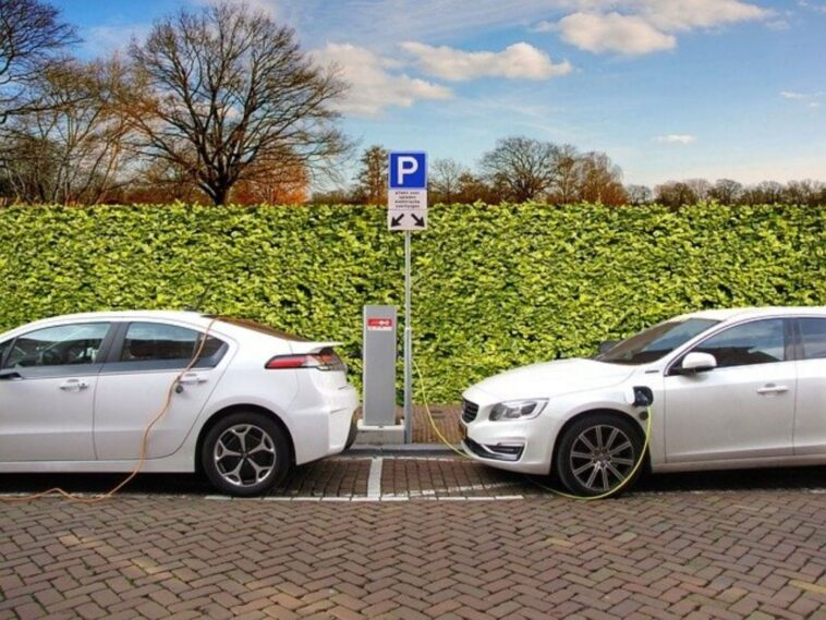 servizi-per-concessionari-crescita-auto-elettriche-europa
