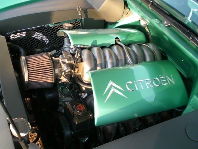 Citroën DS motore LS V8