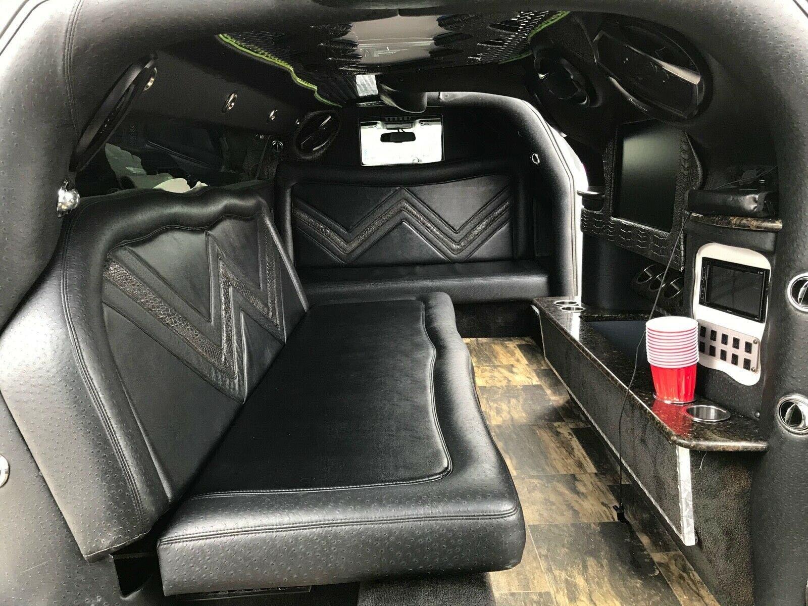 Dodge Challenger SXT limousine