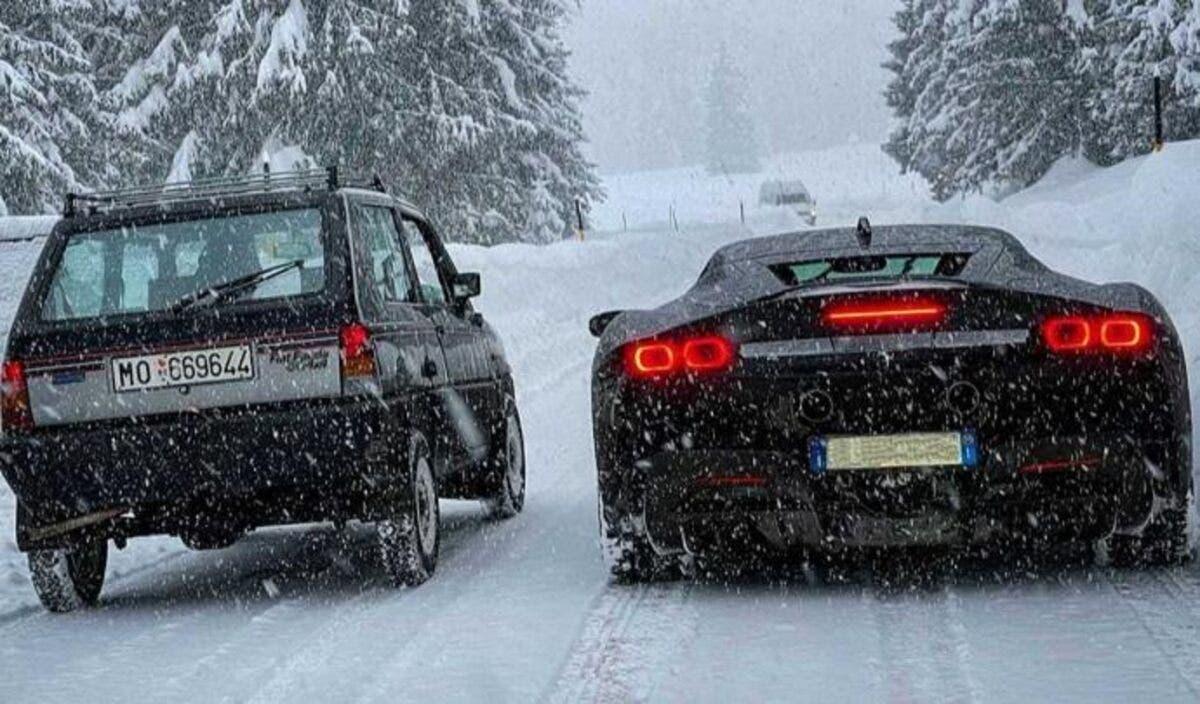 Fiat Panda vs Ferrari SF90 Stradale