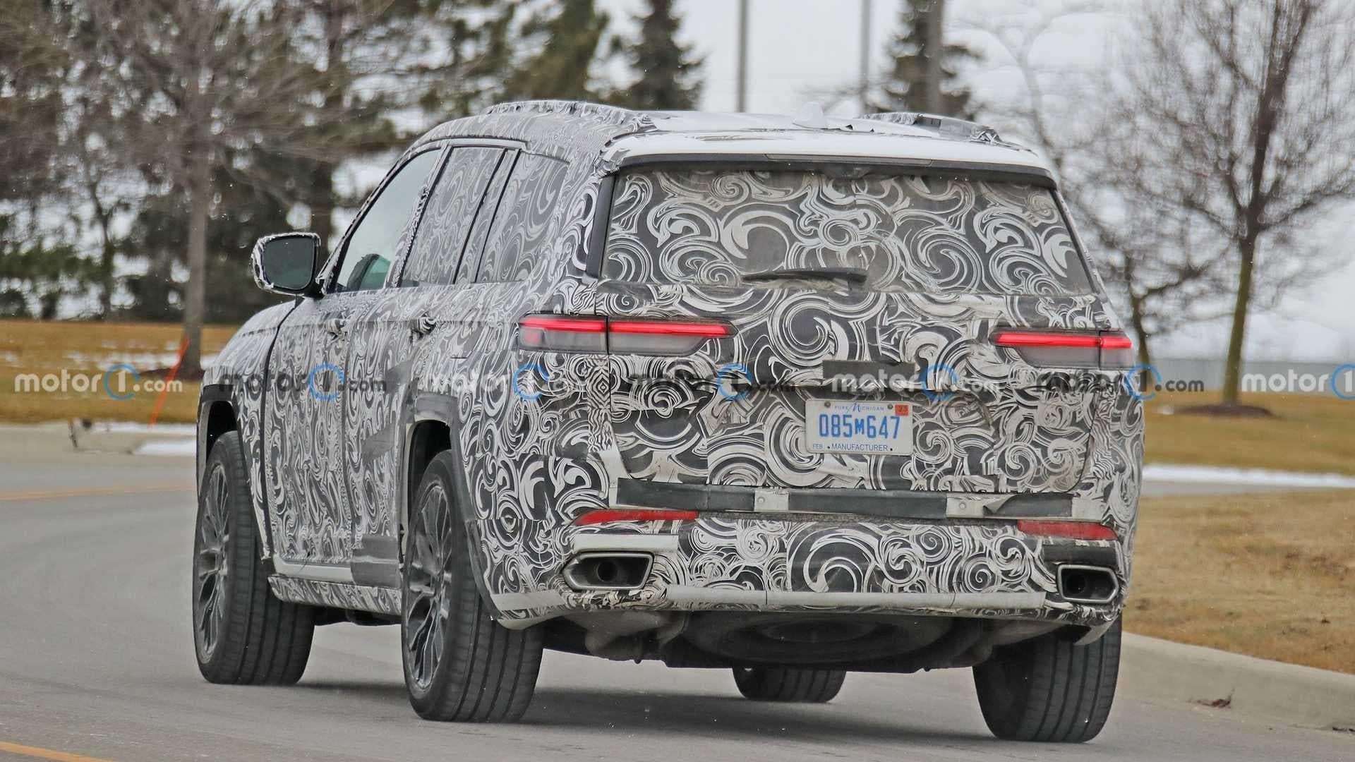 Jeep Grand Cherokee 2022 meno camuffamento