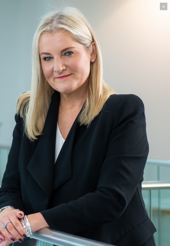 Julie David amministratore delegato Peugeot UK