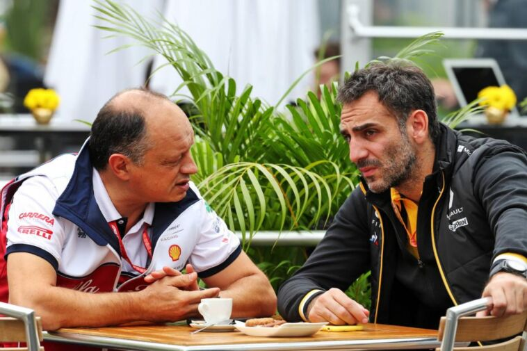 Cyril Abiteboul con Frederic Vasseur
