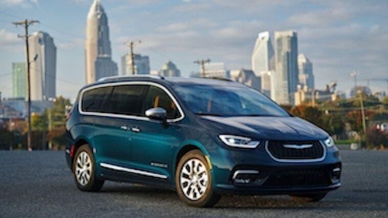 Chrysler Pacifica 2021 Fathom Blue