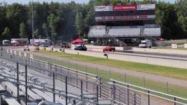 Dodge Challenger SRT Demon vs Chevrolet Corvette L88 drag race