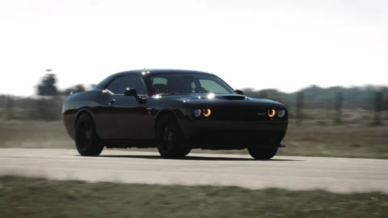 Dodge Challenger SRT Hellcat Hennessey