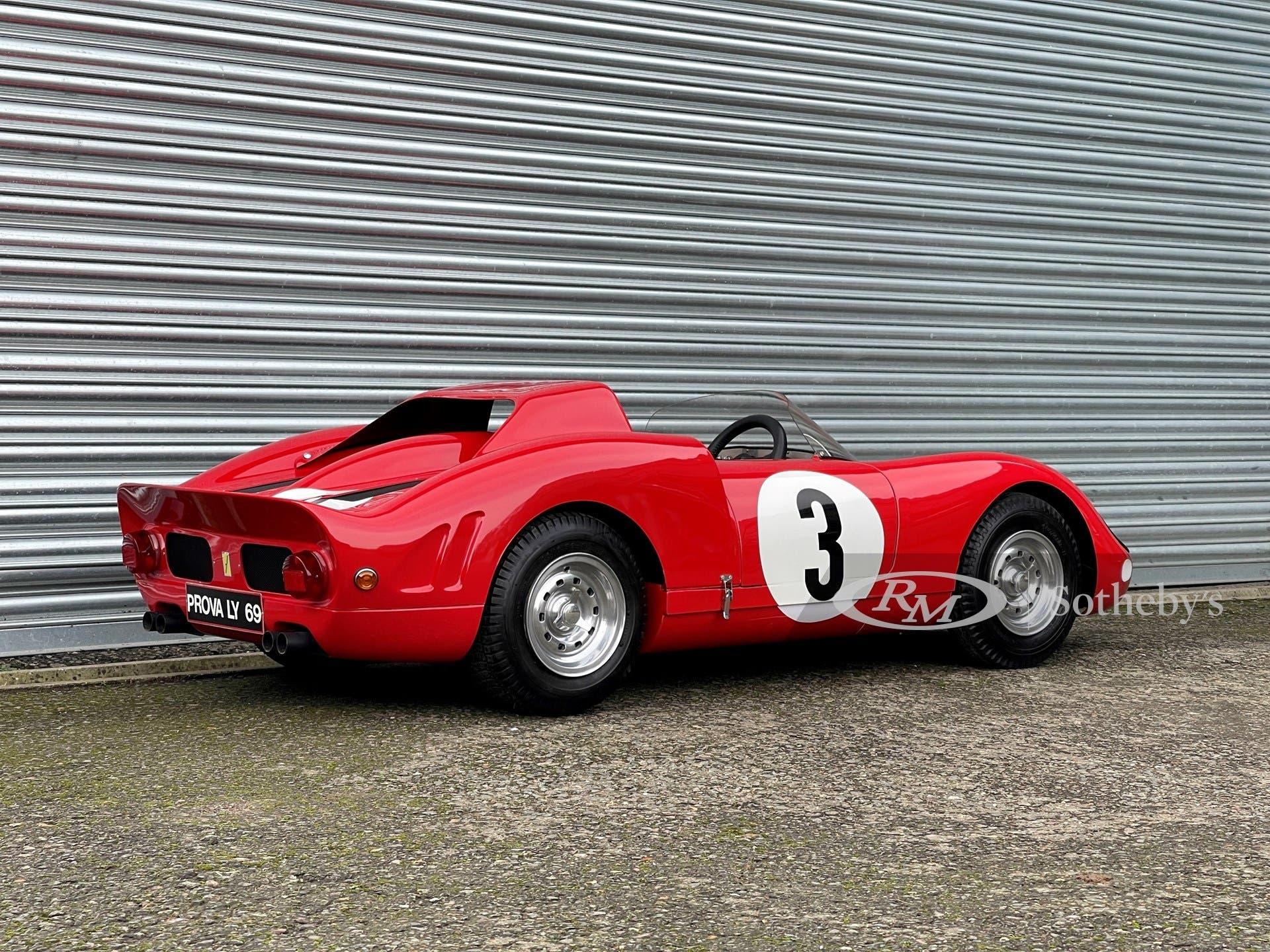 Ferrari 330 P2 Junior De La Chapelle asta