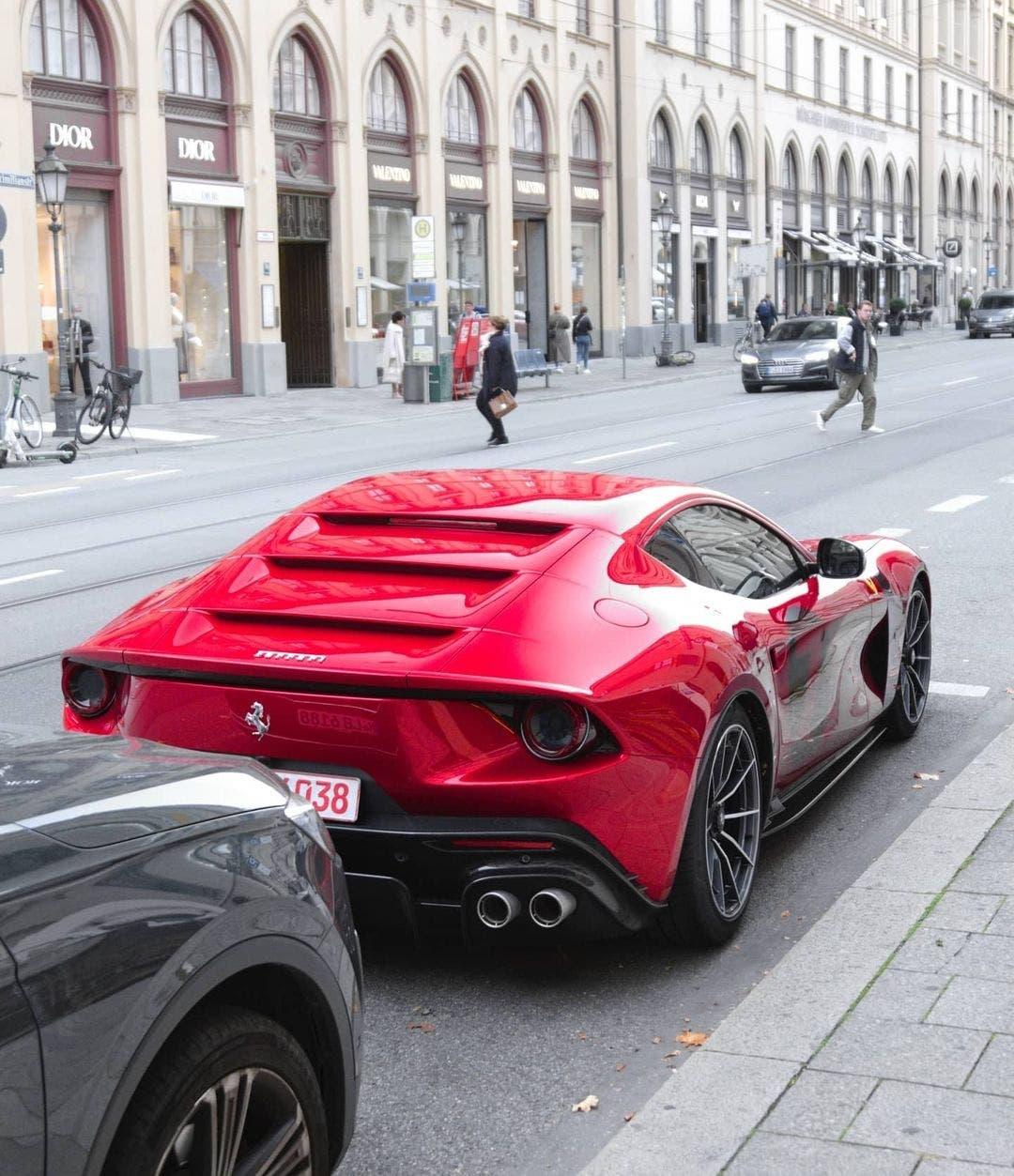 Ferrari Omologata foto live