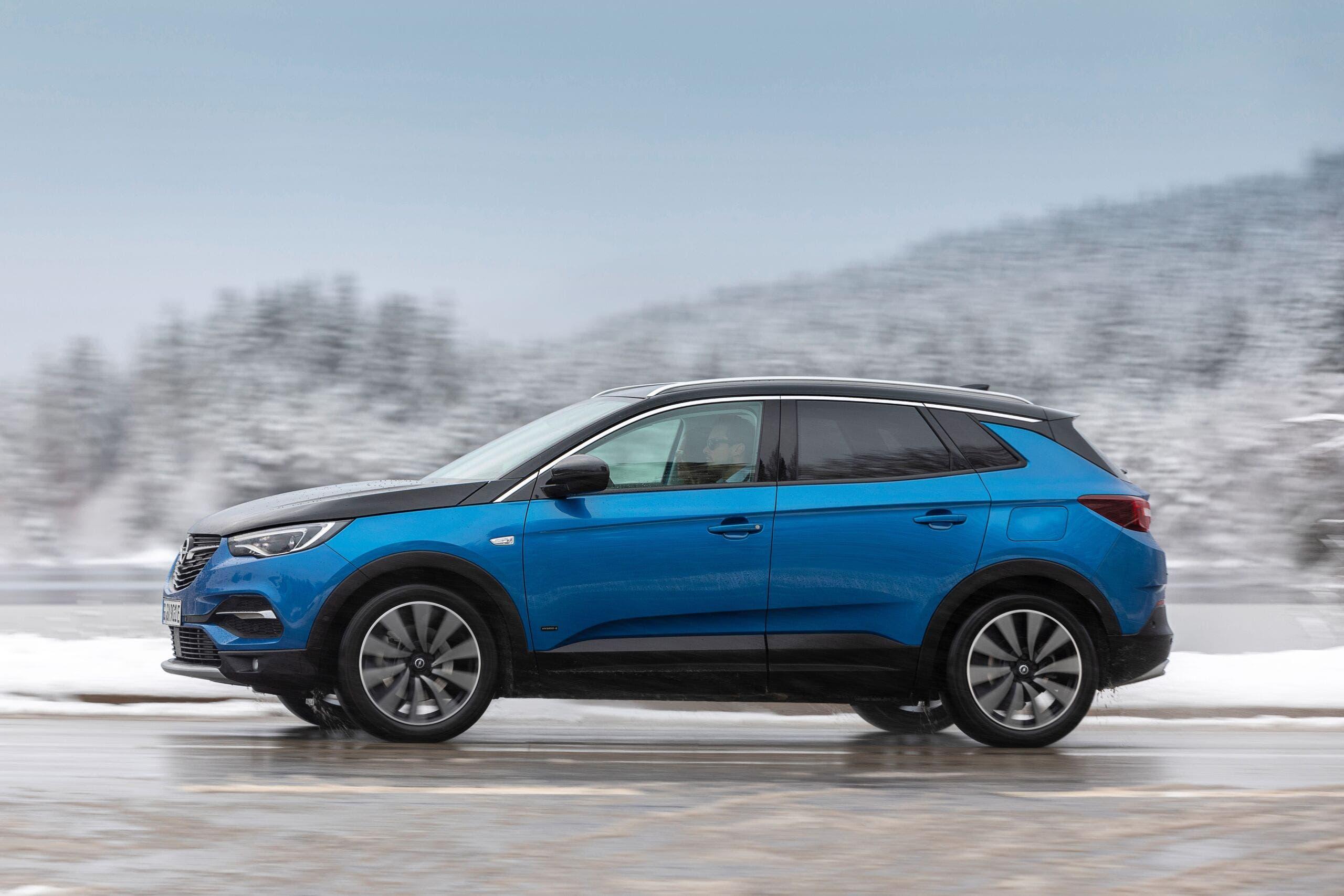 Opel auto elettriche zone montuose