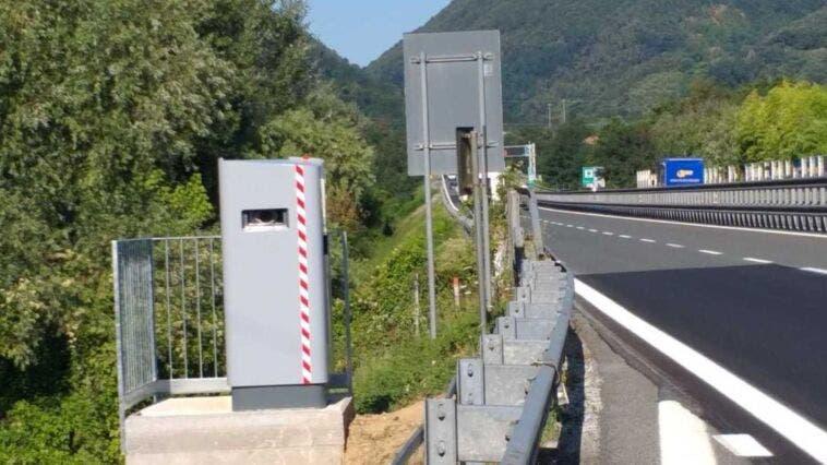 Autovelox becca auto a 983 km/h: mega multa