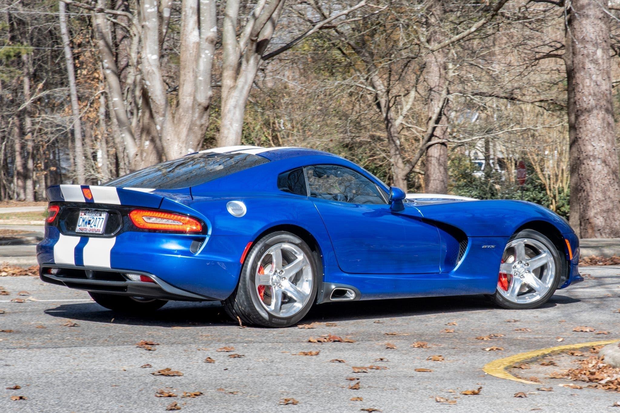 Dodge Viper GTS Launch Edition 2013 asta