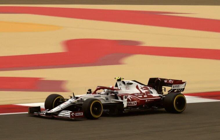 Alfa Romeo Racing Giovinazzi Test