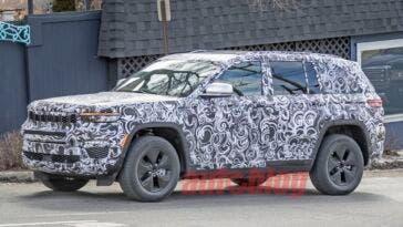 Jeep Grand Cherokee 4xe prototipo foto spia