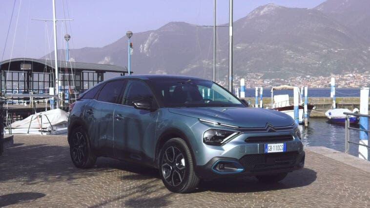 Nuova Citroën e-C4 lago Iseo