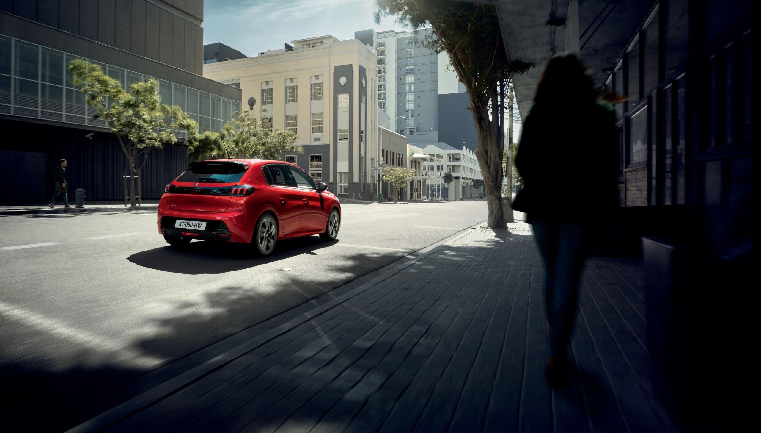 Nuova Peugeot 208 Allure e Allure Pack PureTech 75