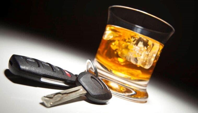 guida ubriaco e drogato