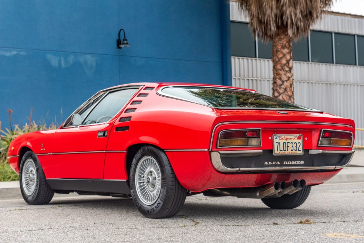 Alfa Romeo Montreal Asta