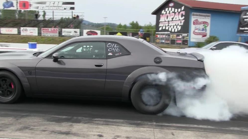 Dodge Challenger SRT Demon vs Charger SRT Hellcat drag race