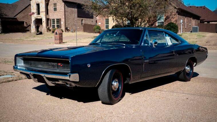 Dodge Charger R/T 1968 blu asta