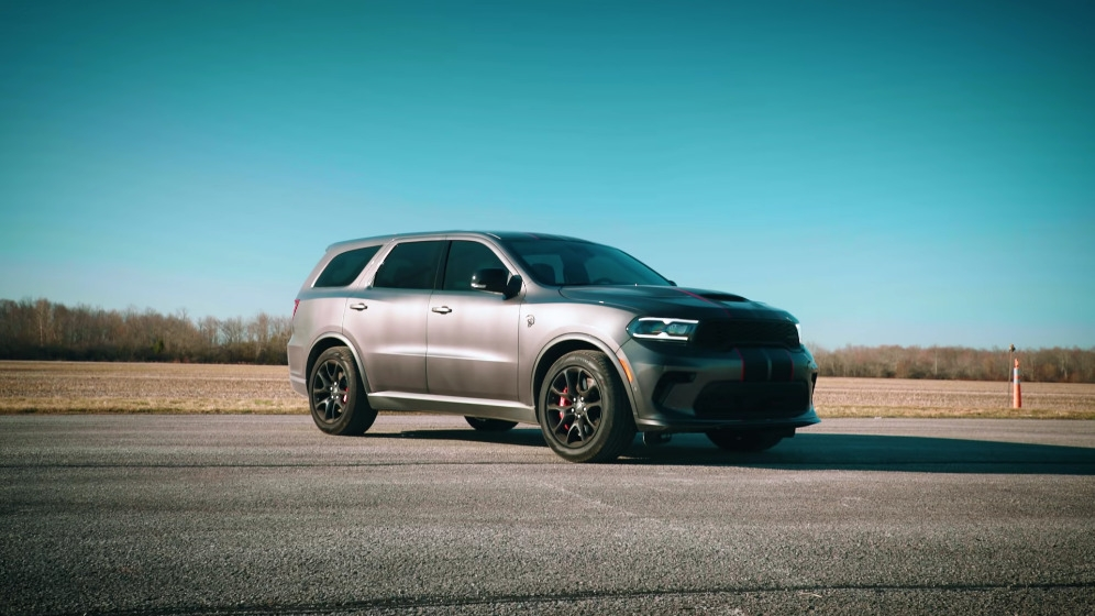 Dodge Durango SRT Hellcat vs Jeep Grand Cherokee Trackhawk vs Lamborghini Urus drag race