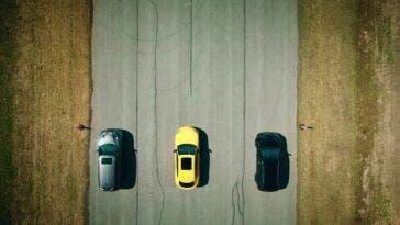 Dodge Durango SRT Hellcat vs Jeep Grand Cherokee Trackhawk vs Lamborghini Urus drag race