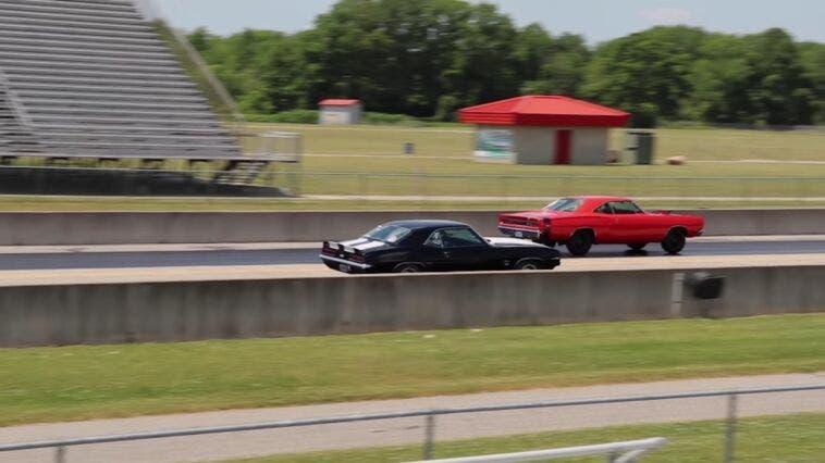 Dodge Super Bee A12 vs Chevrolet Camaro SS drag race