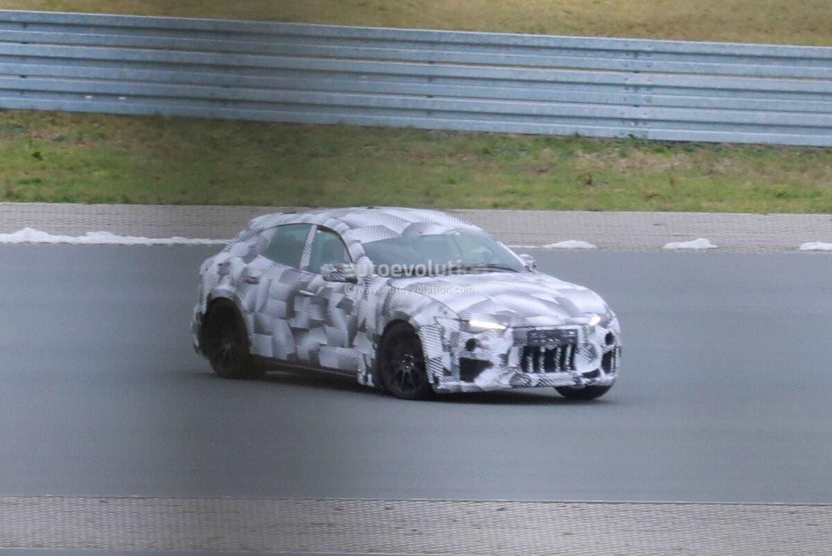 Ferrari Purosangue ultimo prototipo preproduzione