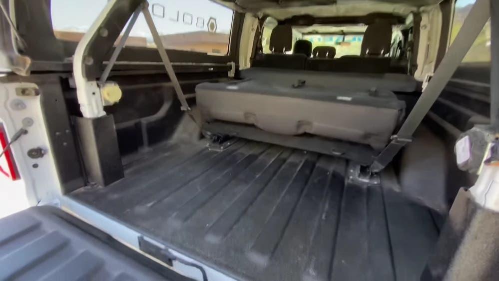 Jeep Gladiator a sette posti custom