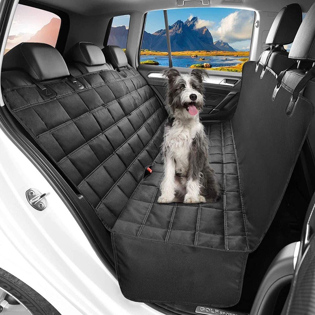 Il coprisedile per auto dedicato ai cani