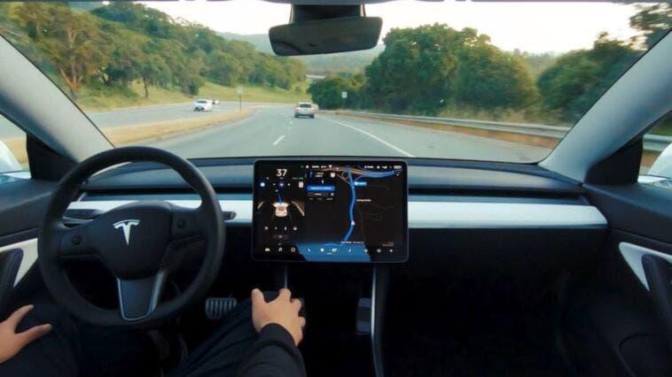 Musk difende coi denti l'Autopilot dopo un altro sinistro mortale sulla Tesla