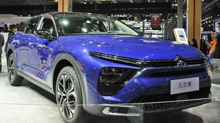 Nuova Citroën C5 X live foto