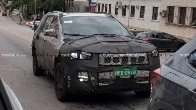 Nuova Jeep a sette posti ultimo prototipo foto spia