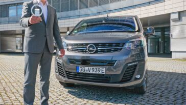 Nuovo Opel Vivaro-e International Van of The Year 2021