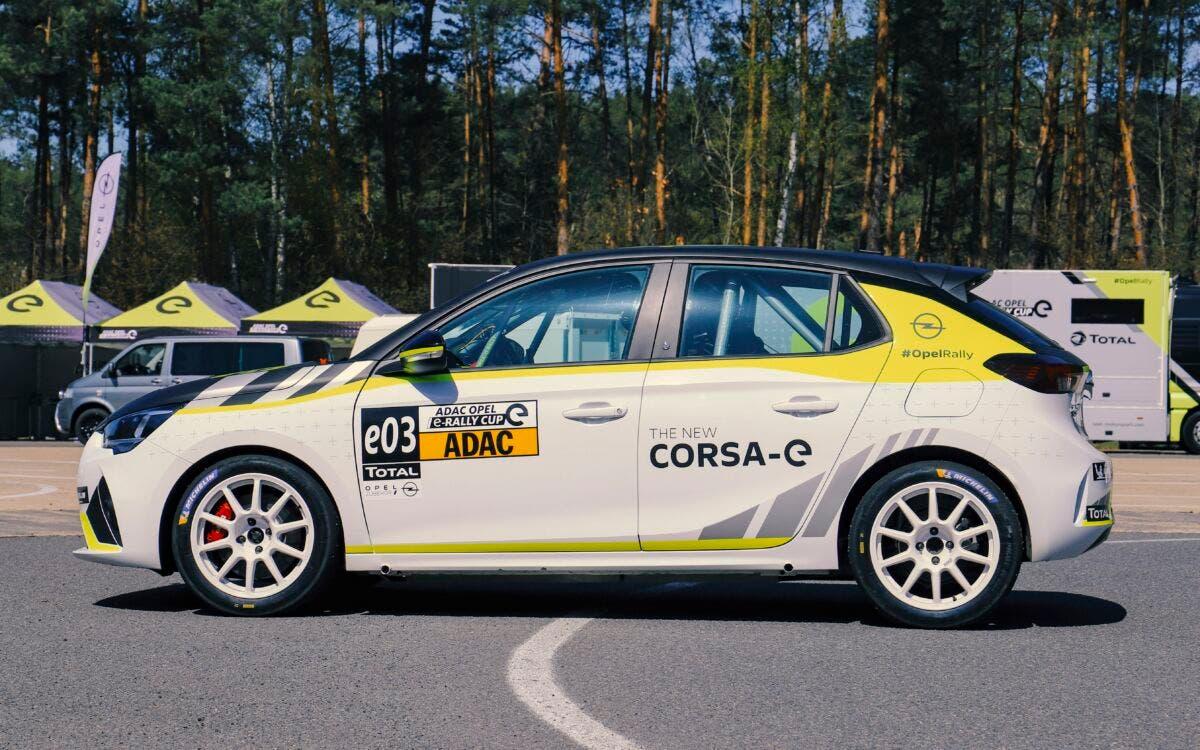 Opel Corsa-e Rally consegna clienti